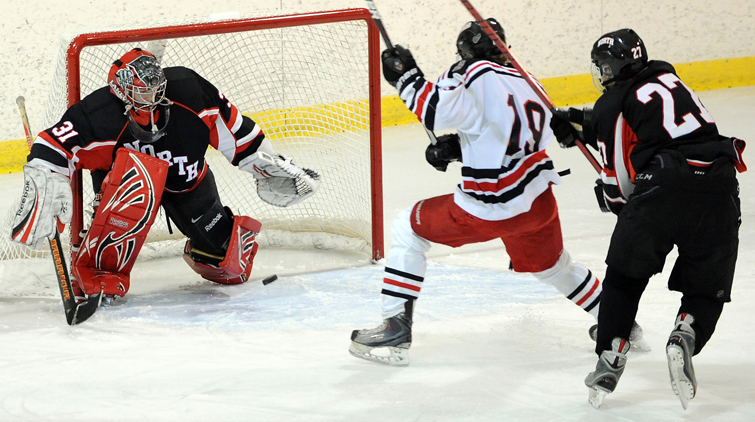 Duluth East Eases Past Panthers