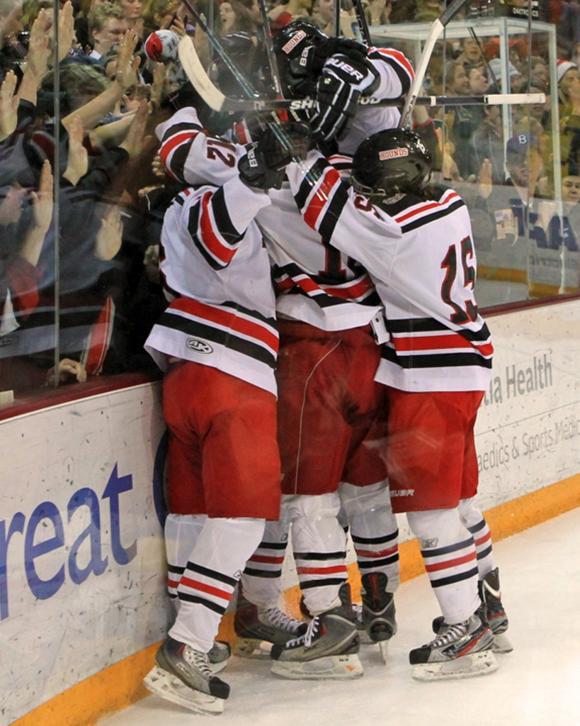MN H.S.: Duluth East Does It Again - No. 1 Hounds Ease Past Andover To Secure Fourth Straight Trip To State